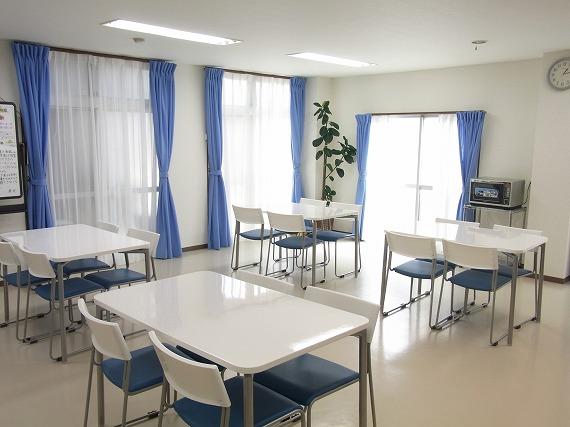 ダイニングルーム完備。おいしい食事がまっています。<br> 毎日の規則正しい学生生活を支えます。<br> 心のこもった美味しいお料理をご用意しています。